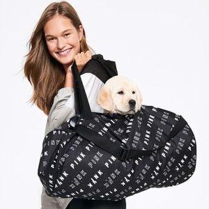 🆕PINK Victoria's Secret Duffle Bag